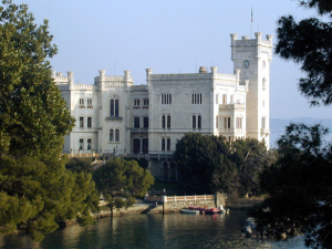 Miramare-Castle-in-Trieste-Italy_General-view_4720